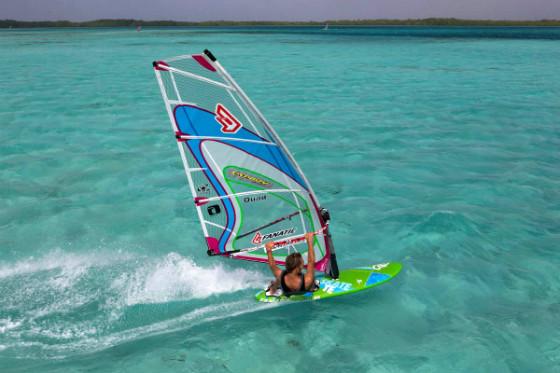 adi-bonaire-windsurfer