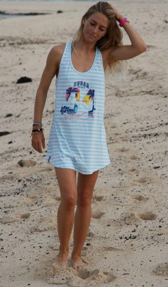 tee-beach-walk